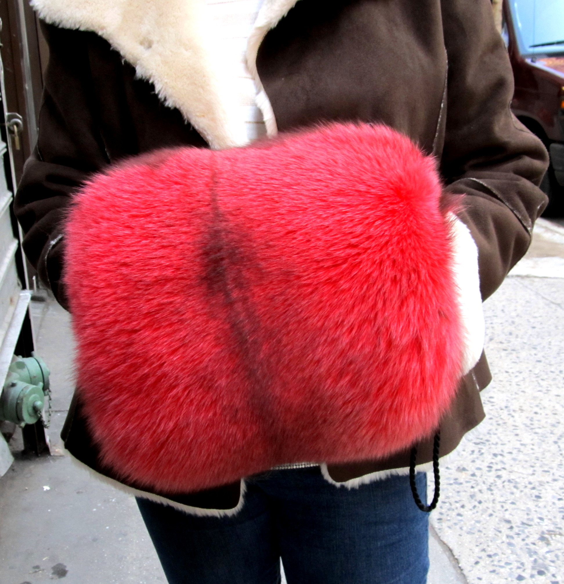Dyed Cranberry Fox Muff ( 383425)