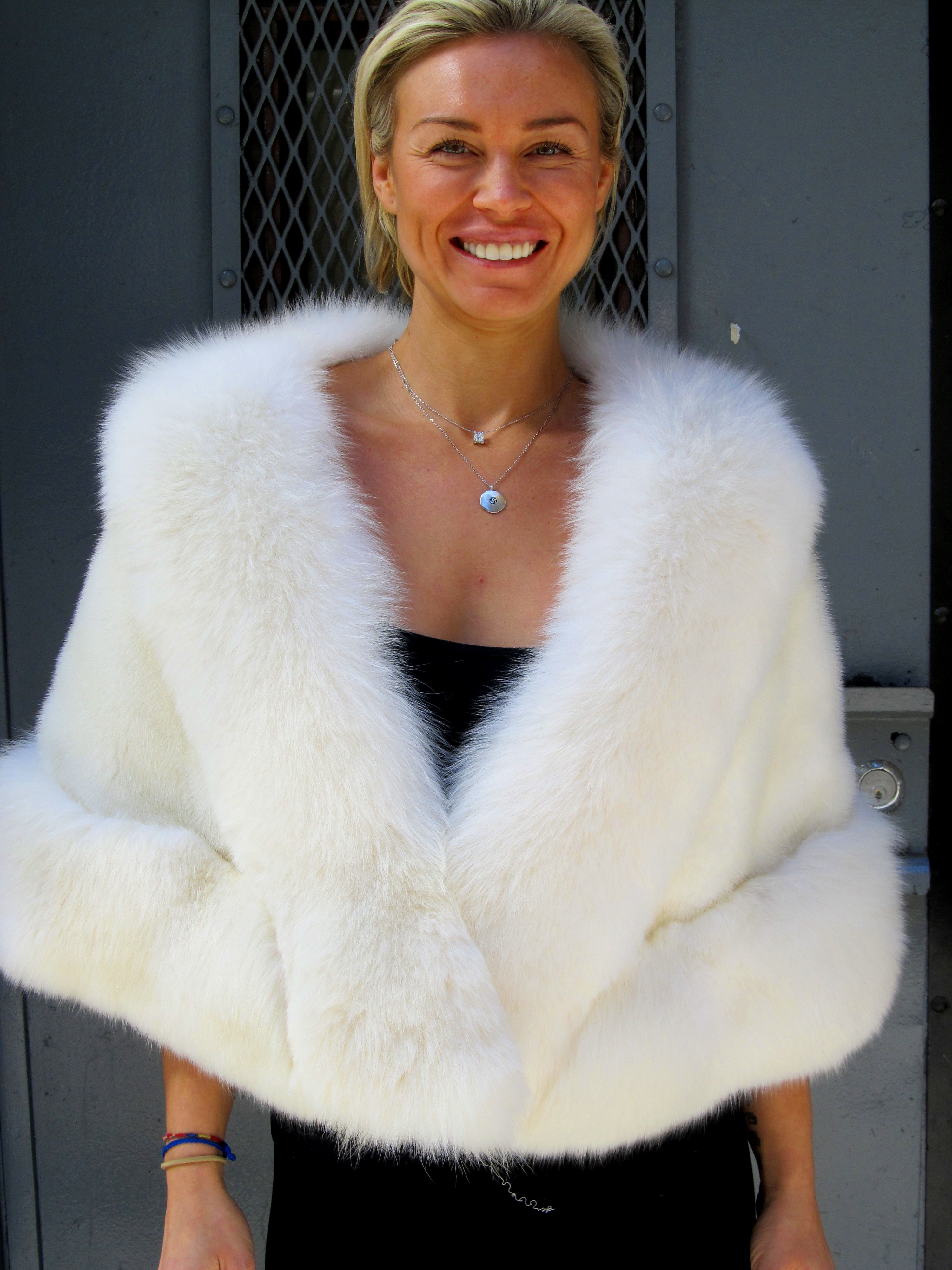Creamy white mink fox stole for rental only madison avenue furs henry cowit inc - Stoel fur ...