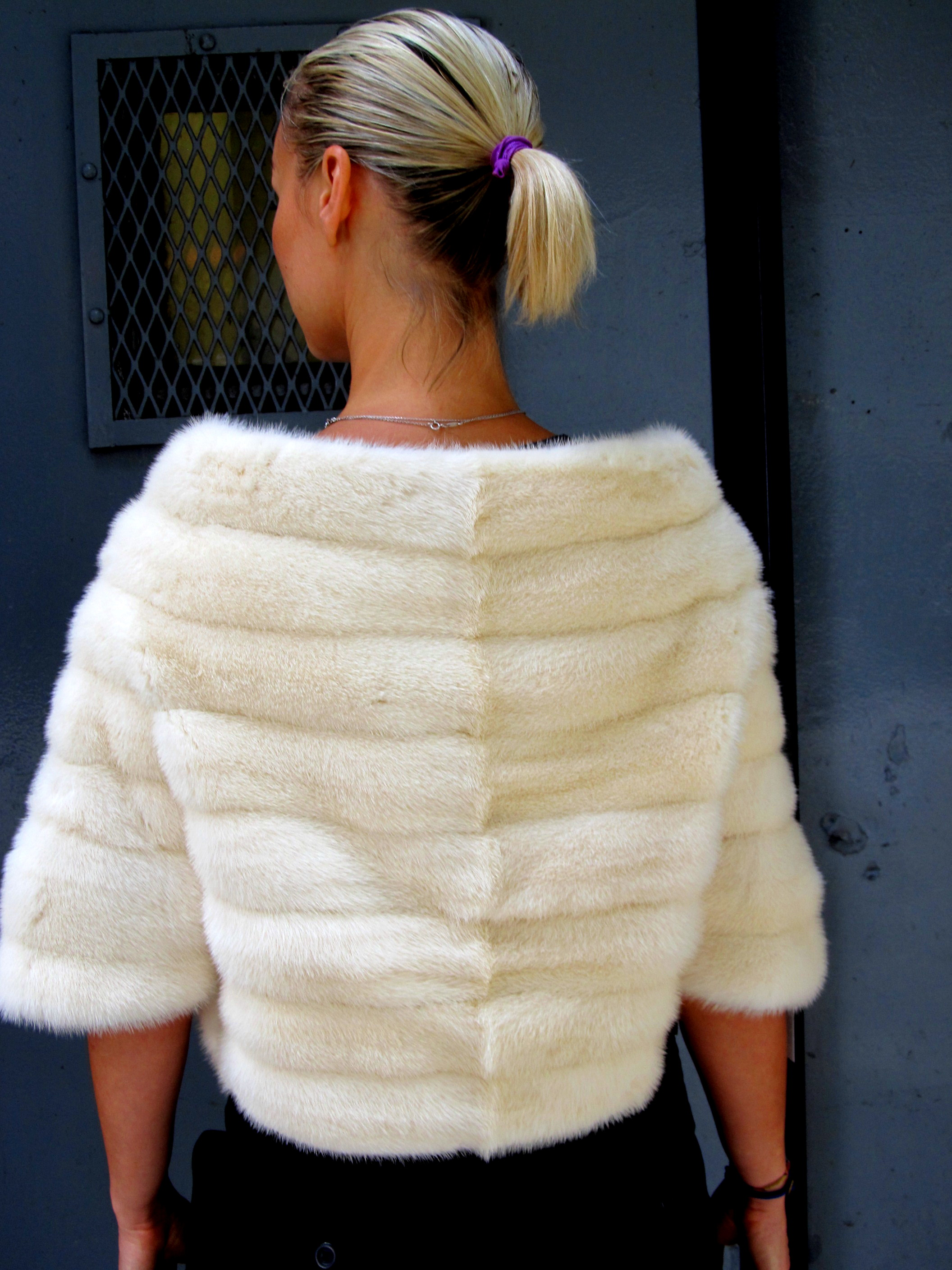 Pre-Owned Creamy White Mink Bolero Jacket ( size: 8) (For Sale or rental)