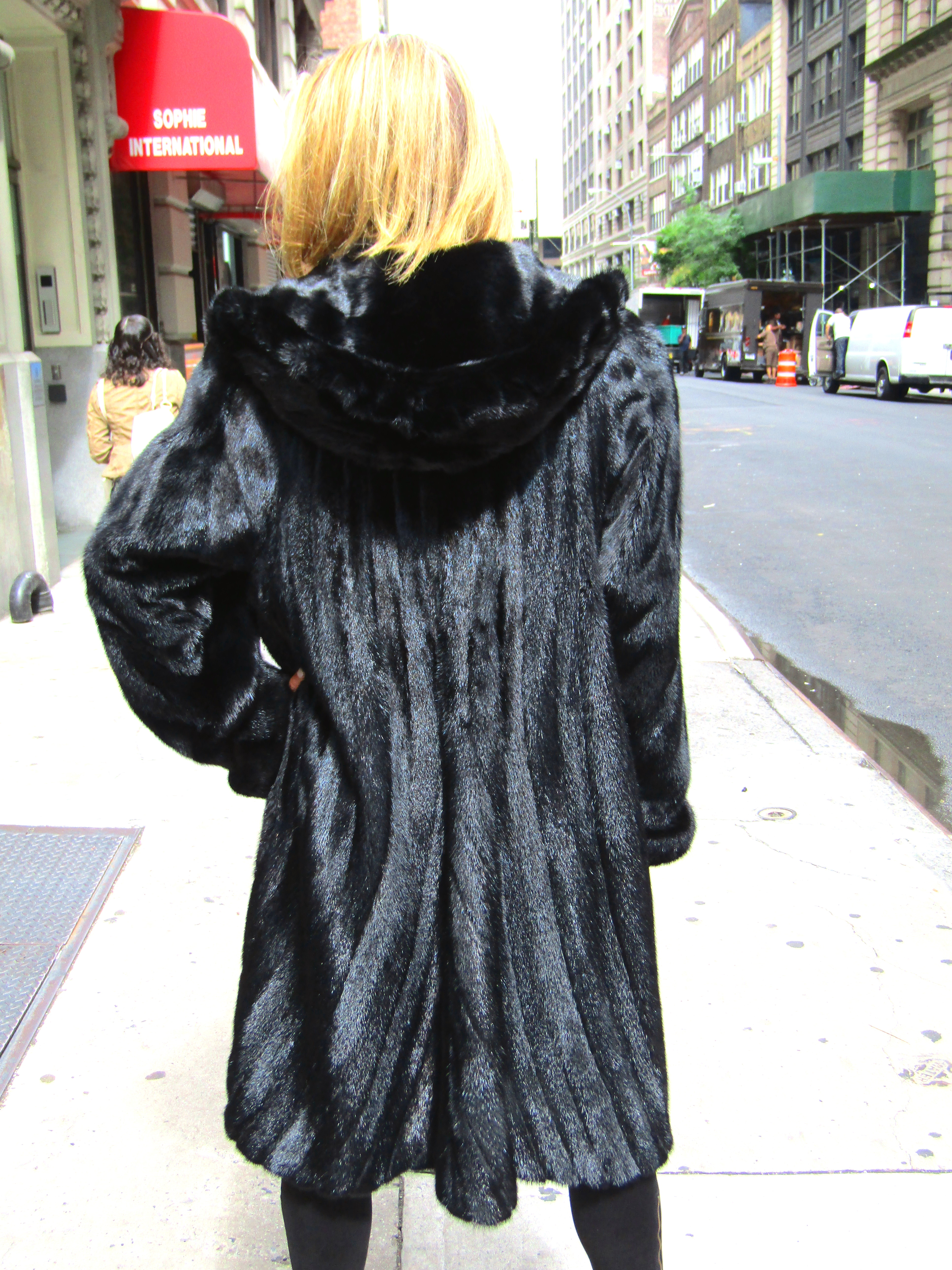 Pre-Owned Midnight Black Dyed Mink 7/8 directional Coat (size:12)