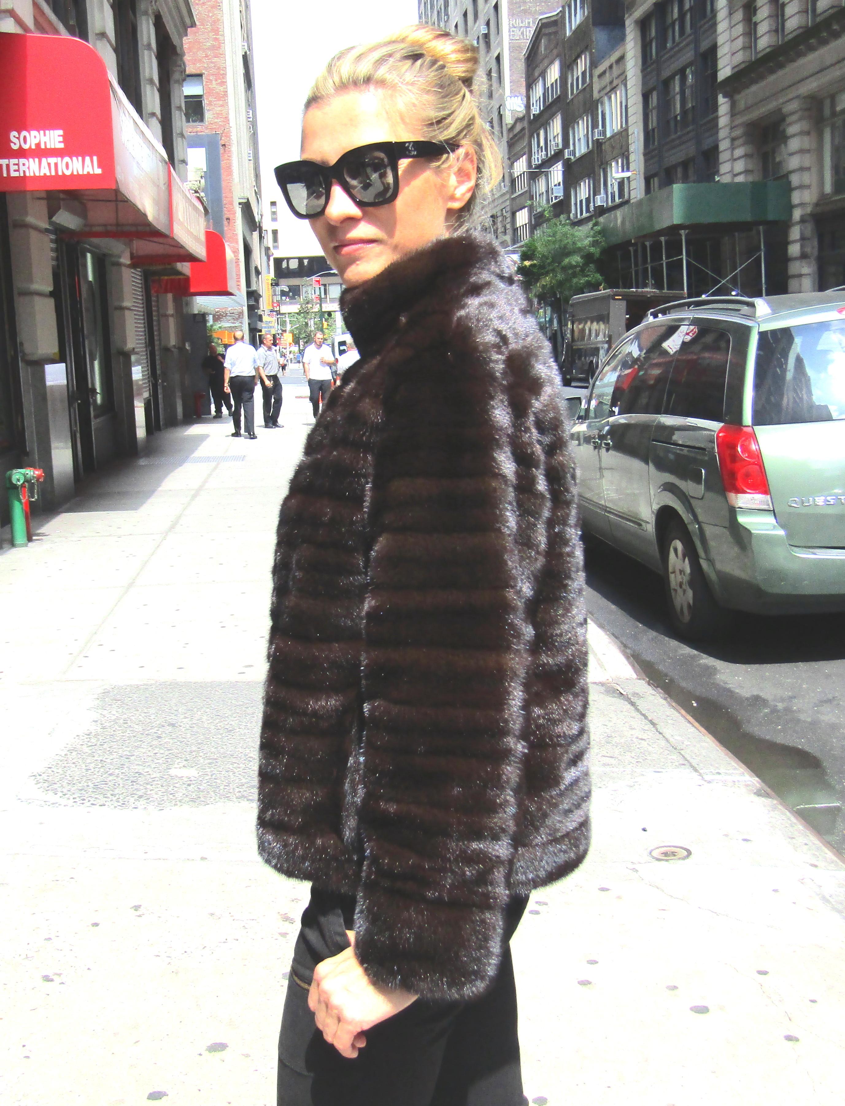 Pre-Owned Natural Ranch Female Mink Horizontal Jacket Reversible to Taffeta ( size: 6 - 8)  **Remodel Sample**