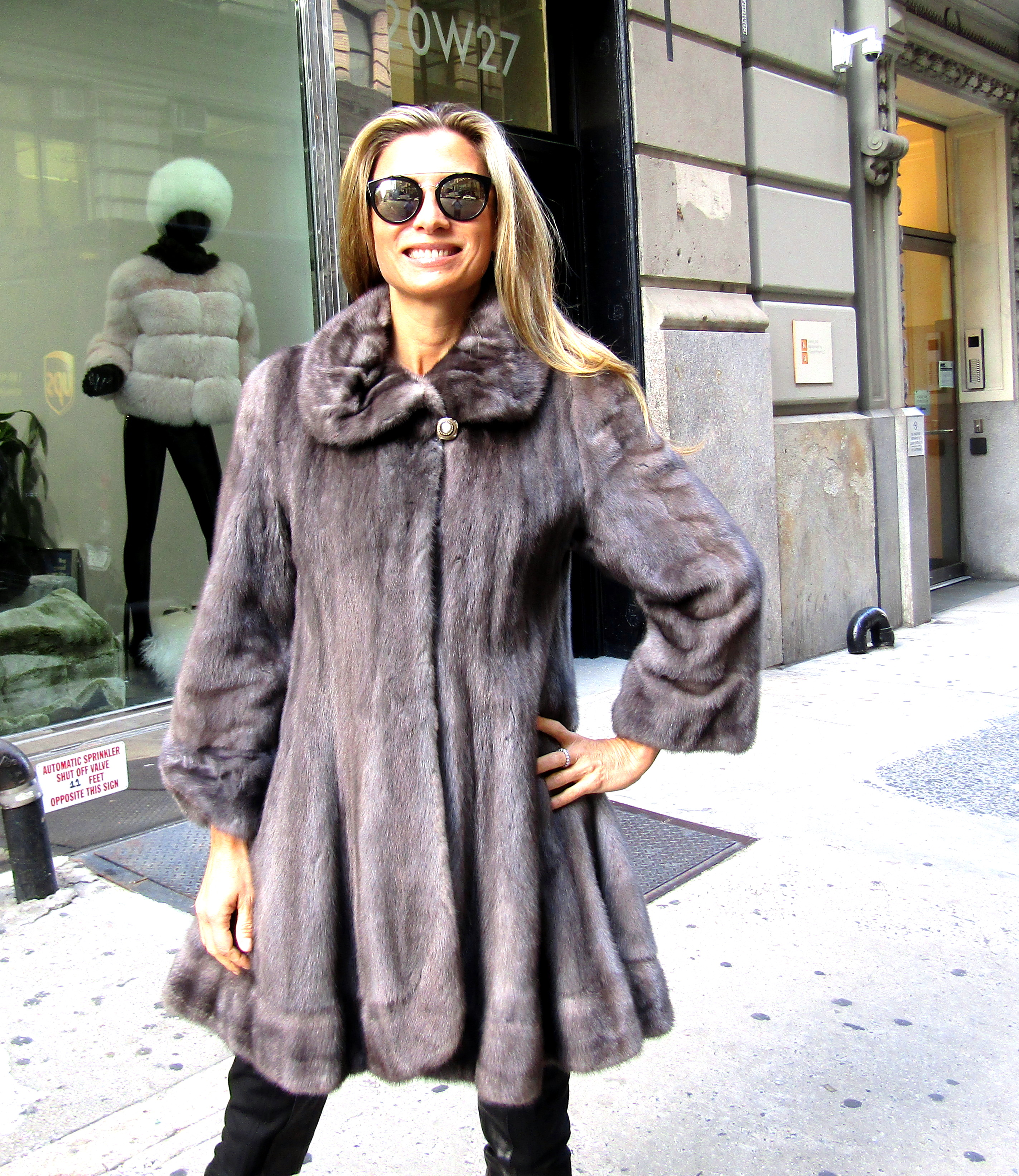Pre-Owned Natural Blue Iris Mink 3/4 Swing Coat (size: 6 - 8)