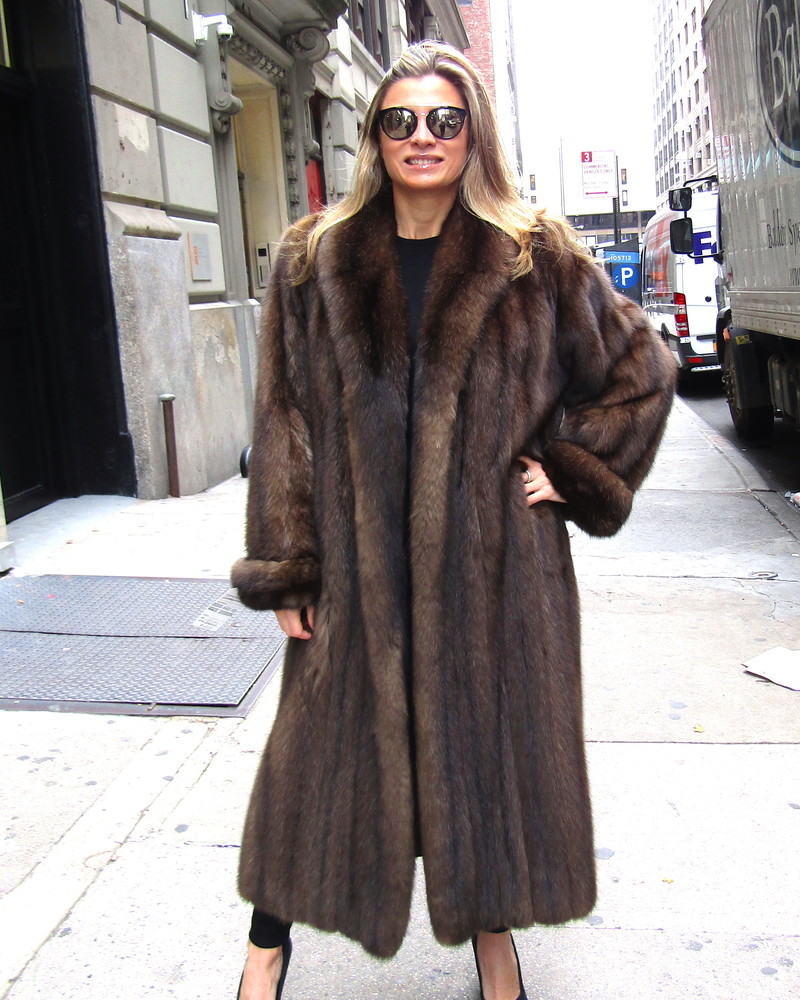 Just Reduced *** Pre-Owned Russian Sable Coat (size: 10 - 12 ... for Sable Fur Cape  584dqh