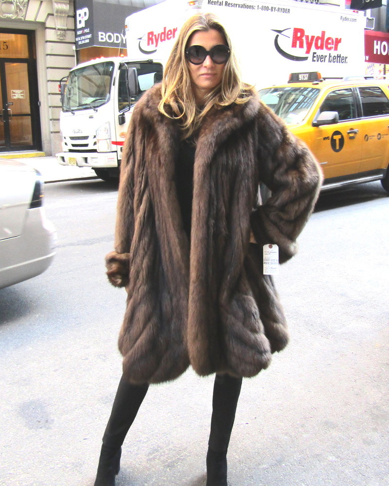 ee5f8a9fc J. Mendel Designed Bargazin Russian Sable Pre-Owned 3/4 Directional Swing  Coat (size: 12 - 16)